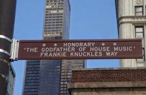 Figura 10 A Frankie Knuckles il 25-06-2004 è stata intitolata la strada in cui risiede il Warehouse a Chicago